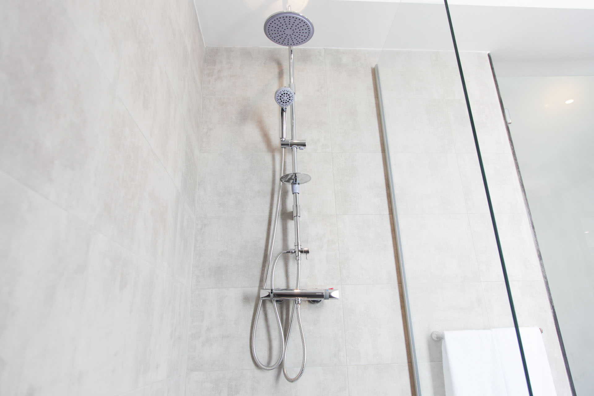 http://smartshotel.com/wp-content/uploads/2016/10/Bathroom.jpg